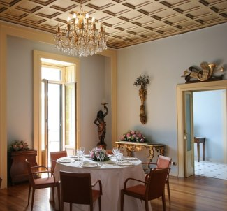 luxury villa rental on italian lake