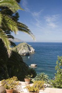 rent a villa in sicily